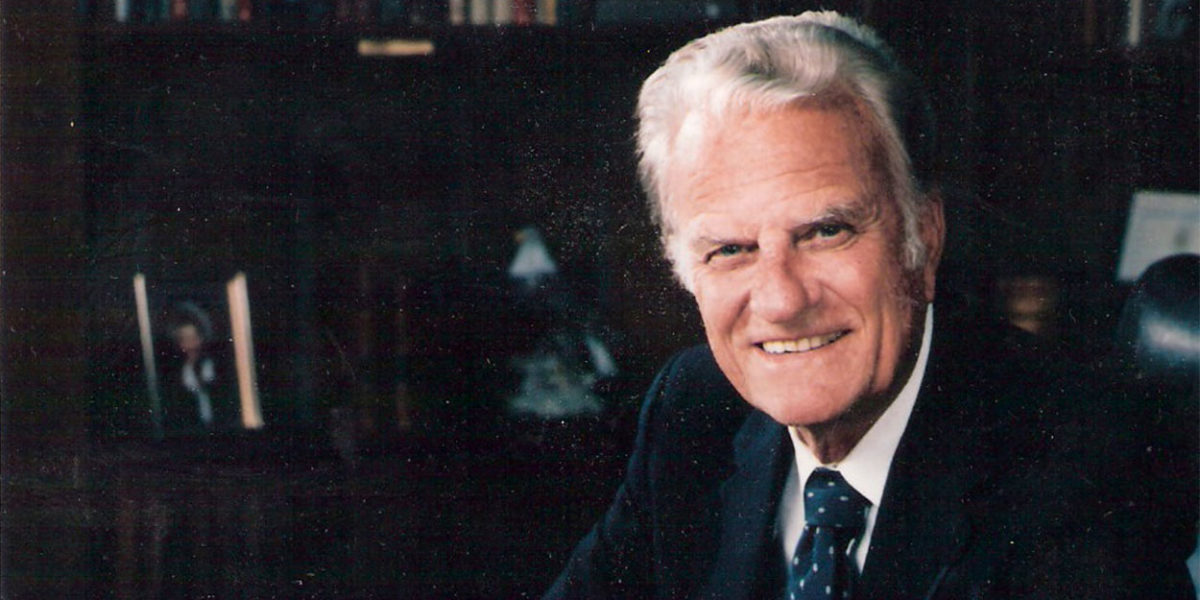 Souvenirs du regretté prédicateur Révérend Billy Graham... Billy-1200x600